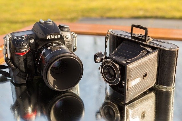 film-vs-digital-camera-analog-photography